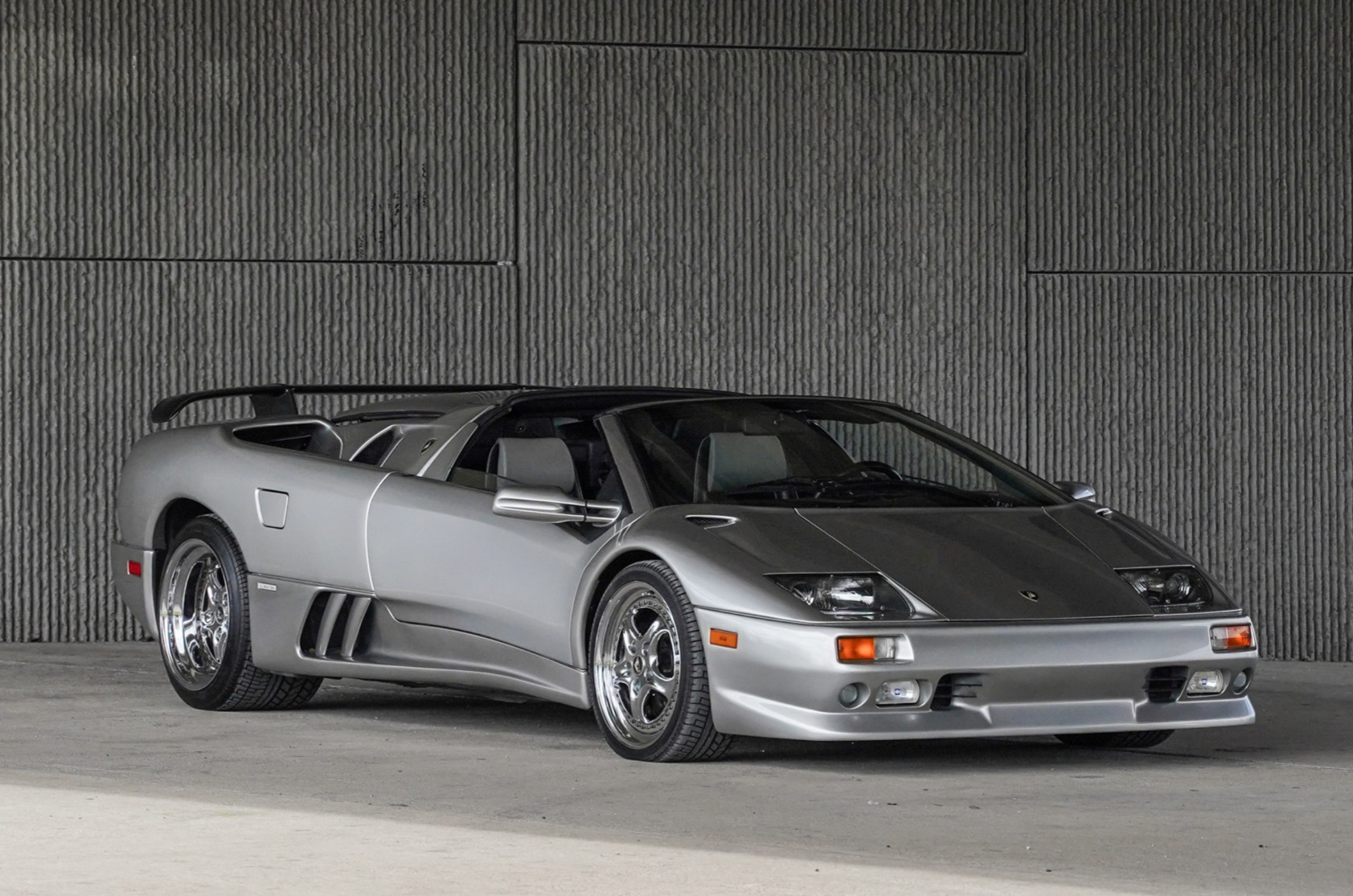 Lamborghini Information Resource And Car Chassis Database